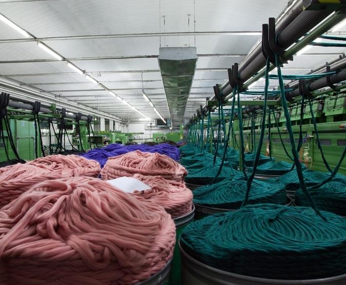 Lineapiu Italia Alpaca Extrafine Merino Wool Blend Yarn Red .750kg Cone Spools